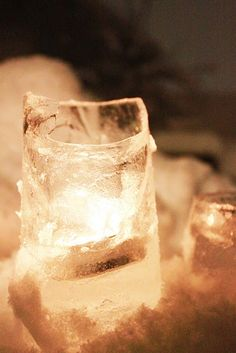 Ice Candle Holder: This only works in cold weather climates, but such a great idea:)