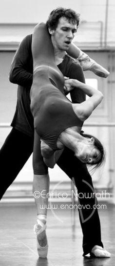 Elisa Carrillo Cabrera and Mikhail Kaniskin, Staatsballett Berlin, Germany - Photographer Enrico Nawrath