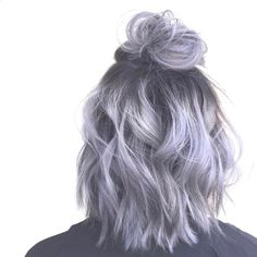 35 Short Ombre Hair Color Ideas for Brunettes That Are Trending for Short Ombre Hair Are you looking for short hair ombre? Then these 35 short ombre hair color ideas for brunettes that are trending for 2019 will be yo. Hair Inspo, Hair Inspiration, Short Hair Updo, Short Dyed Hair, Wavy Updo, Short Hair Top Knot, Messy Bun For Short Hair, Fancy Ponytail, Loose Ponytail
