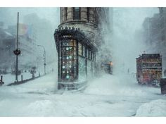 Au pied du Flatiron Building, à New York, au matin du 23 janvier. Michele Palazo – @streetfauna/Instagram