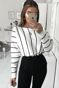 Women Clothing Outfits with Fashion Striped Shirt to Wear with Style Women ClothingSource : Outfits con Camisa de Rayas de Moda para lucir con Estilo by helena_reich Look Fashion, 90s Fashion, Spring Fashion, Fashion 2020, Fashion Clothes, Street Fashion, Fashion Trends, Trendy Fashion, Winter Fashion Outfits