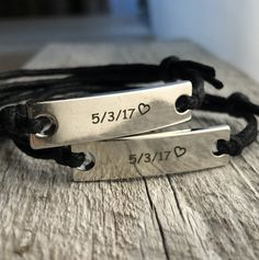 ##The price is for only one bracelet## I can custom the orders for you. It can be engraved by front side, inside or both the front & inside sides. Just put your request in the listing page box. The best gifts for boyfriend birthday, girlfriend gifts, fashionable custom handmade crafts. We can Bracelets Assortis Pour Couple, Couple Bracelets Leather, Engraved Leather Bracelets, Bracelet Couple, Matching Couple Bracelets, Bracelets For Boyfriend, Simple Bracelets, Unique Necklaces, Matching Couples