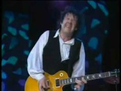 Live at Montreux 1995  Gary Moore : vocals, guitar Tommy Eyre (R.I.P) : keyboards Andy Pyle : bass Graham Walker : drums Nick Pentelow : sax Nick Payne : sax  http://www.garymoore.hu/
