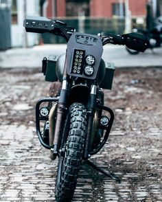 Furiosa, Custom Bonneville by British Customs x Croig Honda Scrambler, Scrambler Custom, Cafe Racer Motorcycle, Tracker Motorcycle, Motorcycle Headlight, Vespa, Motos Retro, Motorbike Design, Cafe Racer Bikes
