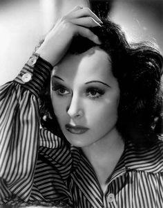 Das surreale Leben der schönen Hedwig - Vor hundert Jahren wurde in Wien die Frau geboren, die Hollywood zu Hedy Lamarr machte. Mehr dazu hier: http://www.nachrichten.at/nachrichten/kultur/Das-surreale-Leben-der-schoenen-Hedwig;art16,1534379 (Bild: Reuters)