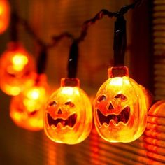 Xcellent Global Striscia da 2.2m con 20 Luci LED a Forma di Zucche 3D Arancioni Alimentate a Batteria per Decorazioni di Halloween I-LD067