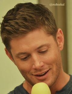Jensen, being his usual highly attractive self at DallasCon2012