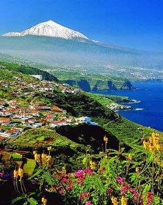 Spain Travel Inspiration - Teide with snow, Tenerife, Canary Islands, Spain Best Beaches In Europe, Beaches In The World, Most Beautiful Beaches, Beautiful Places, Canaries Tenerife, Places To Travel, Places To See, Teneriffe, Voyage Europe