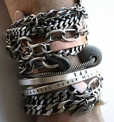Deffinately too many bracelets on one wrist. Silver Bangle Bracelets, Metal Bracelets, Bracelets For Men, Bangles, Bracelet Cuir, Ring Bracelet, Jewelry Accessories, Fashion Accessories, Men's Jewelry