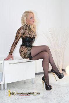 Lady Vanessa #hothighheelsstockings