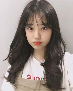 "The Boyz Series : Kim Sunwoo ""Jiheo, aku anter pulang ya? Pretty Korean Girls, Korean Beauty Girls, Cute Korean Girl, Asian Girl, Ullzang Girls, Cute Girls, Korean Bangs, Korean Girl Photo, Girl Korea"