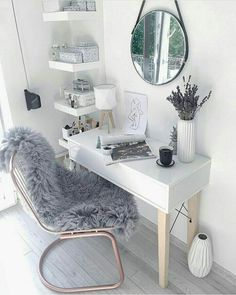 extra gemütlich im haus mit der richtigen fensterdekoration. extra cozy in the house with the right window decoration. Room Reveal with a tufted DIY & hellip; Cozy Home Office, Home Office Decor, Office Ideas, Office Furniture, Furniture Ideas, Office Lounge, Office Table, Bed Furniture, Furniture Design