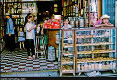 Hinh My tho xua Vietnam History, My Tho, Vintage Architecture, Old Images, Street Photo, Fashion Studio, Coffee Shop, Japan, Memories