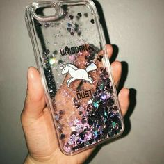 Q capinha mais perfeita né? Qual o modelo do seu celular? The most perfect cover right ? What is the model of your phone? Girly Phone Cases, Glitter Phone Cases, Cell Phone Covers, Diy Phone Case, Iphone Phone Cases, Iphone Seven, Capas Iphone 6, Disney Cases, Accessoires Iphone