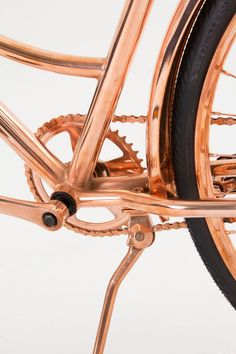Van Heesch's Copper Bicycle (This isn't a mountain bike, but it's very pretty. Cool Bicycles, Vintage Bicycles, Pimp Your Bike, Color Cobre, Motorcycle Style, Bicycle Design, Custom Bikes, Rose Gold, Cool Stuff