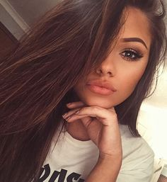 Find images and videos about girl, hair and beauty on We Heart It - the app to get lost in what you love. Beauty Make-up, Beauty Hacks, Hair Beauty, Beauty Tips, Pretty People, Beautiful People, Pretty Selfies, Tumbrl Girls, Selfie Poses