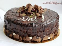 Tort de post cu ciocolata - imagine 1 mare Sweets, Lime, Desserts, Recipes, Food, Tailgate Desserts, Lima, Deserts, Goodies