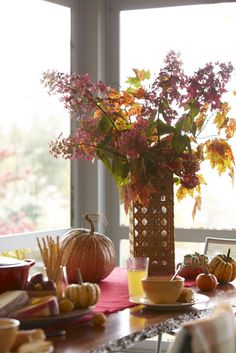 Pumpkin Fall Table ~ Mary Wald's Place - As Fall lingers there is still a lot of beautiful foliage to admire     It does not take a lot to bring inside, small tokens of Autumn to...