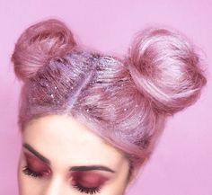 to get your sparkle on. glitter roots are officially a THING Prepare to get your sparkle on. glitter roots are officially a THINGPrepare to get your sparkle on. glitter roots are officially a THING My Hairstyle, Pretty Hairstyles, Pink Hairstyles, Easy Hairstyles, Carnival Hairstyles, Grunge Hairstyles, Scene Hairstyles, Fashion Hairstyles, Hair Updo