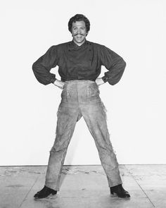 """"""" Ah, Yes, my pants are pulled all the way up to my nipples!"""" Howard Keel Seven Brides for seven brothers Hollywood Icons, Golden Age Of Hollywood, Old Hollywood, Kathryn Grayson, Howard Keel, High Wasted Pants, Jane Powell, Old Movies, American Actors"""