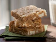 Peanut Butter and White Chocolate Blondies Recipe : Rachel Allen : Recipes : Cooking Channel Peanut Butter White Chocolate, White Chocolate Chips, Peanut Butter Dessert Recipes, Cookie Recipes, Bar Recipes, Pastry Recipes, Brownie Recipes, Baking Recipes, Yummy Recipes