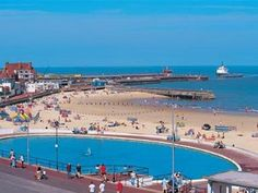 Great Yarmouth Coach Holidays and Trips | Door2Tour.com