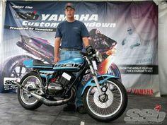 Yamaha Custom Showdown - 1973 Yamaha RD350