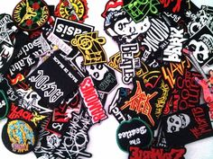 Lot of 50 Iron On Patch Sew Wholesale Music Band Metal Punk Rock n Roll DIY   M  Unbranded 17c7b76d99