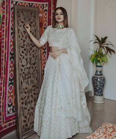 Top 15 Designer Bridal Lehenga for Wedding - Fashion Girls Party Wear Indian Dresses, Indian Gowns Dresses, Indian Bridal Outfits, Dress Indian Style, Indian Fashion Dresses, Indian Designer Outfits, Bridal Dresses, Designer Dresses, Designer Wear