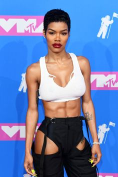 Teyana Taylor Just Showed Off Her Abs At The VMAs, And DamnYou can find Teyana taylor and more on our website.Teyana Taylor Just Showed Off Her Abs At The VMAs, And Damn Teyana Taylor, Mtv Video Music Award, Music Awards, Workout Plan For Men, Workout Plan For Beginners, Abs Workout Video, Penelope, Radio City Music Hall, Abs Women