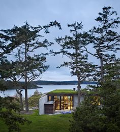 The Pierre house by Seattle architect Tom Kundig has a sweeping view of the Puget Sound in Washington's San Juan Islands.Retreat: The Modern House in Nature Book Living Haus, Architecture Résidentielle, Amazing Architecture, House In Nature, Beautiful Homes, Landscape, House Styles, Contemporary Homes, Modern Homes
