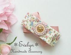 一つ一つ丁寧に作製した手作りのレジンパーツに刺繍を施し 可愛い花柄リボンと組み合わせたバレッタです。 約7.5cm×5cm サークル部分 約2.3...|ハンドメイド、手作り、手仕事品の通販・販売・購入ならCreema。