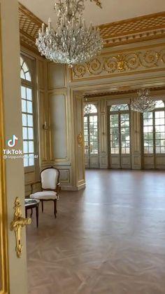 Palace Interior, Mansion Interior, Luxury Homes Interior, Luxury Home Decor, Home Room Design, Dream Home Design, Home Interior Design, Classical Interior Design, French Interior