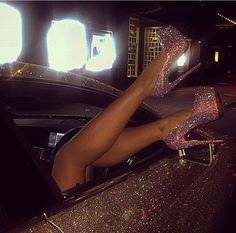 Image uploaded by 𝓛𝓾𝔁𝓾𝓻𝔂 𝓛𝓲𝓯𝓮. Find images and videos about pink, shoes and luxury on We Heart It - the app to get lost in what you love. Boujee Aesthetic, Badass Aesthetic, Bad Girl Aesthetic, Purple Aesthetic, Aesthetic Collage, Aesthetic Photo, Aesthetic Pictures, Whats Wallpaper, Bad Girl Wallpaper