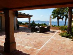 Au soleil en terrasse #Beverlysaintemaxime #BeverlySainteMaxime #BeverlyFrance #Beverly #Immobilier #villa #luxe #prestige #hautdegamme #Sainte-Maxime #Saint-Tropez #Sttropez #golfedesainttropez