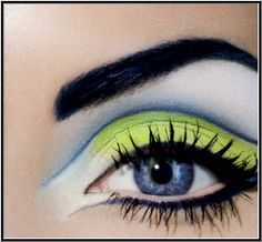 Dramatic eye makeup. Best mac eyeshadows for blue eyes. Cheap mac makeup. Photo Credit: http://ivivefashion.com/ #mac #fortheeyes #makeup #bepretty #ilovemakeup #iampretty #prettyeyes #makeupjunction