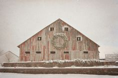 I also ♥ old, red barns that are covered in snow. (and that have a Christmas wreath on the front!)