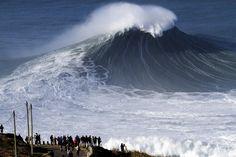 as maiores ondas do mundo, na Praia do Norte, Nazaré