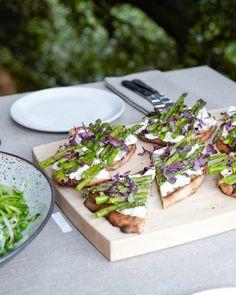 Grilled Asparagus Flatbreads