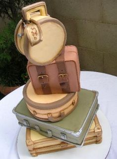 Non-traditional cakes: luggage cake by inticing creations Luggage Cake, Suitcase Cake, Gorgeous Cakes, Pretty Cakes, Amazing Cakes, Take The Cake, Love Cake, Cupcakes, Cupcake Cakes