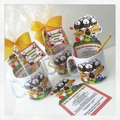 Nesta sexta-feira, os amiguinhos de classe do Igor, filho na Nina, ganharam de lembrancinha um kit bolo de caneca do Smilinguido, da comemoração do 1º aninho deste gatinho! #lembrancinha #bolodecaneca #kitbolodecaneca #personalizados #ratchimbum #loja #novaodessa