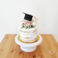 graduation cake # graduation # graduation party Best Picture For College Graduation invitations For Your Taste You are looking for something, and it is going to tell you exactly what Pink Graduation Party, Graduation Invitations College, Graduation Tassel, Graduation Party Planning, College Graduation Parties, Graduation Celebration, Grad Parties, Graduation Cards, Savoury Cake