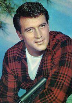 ROCK HUDSON BORN: ROY HAROLD SCHERER, JR. and ADOPTED SIR NAME: FITZGERALD 11-17-1925 til 10-02-1985 (59)