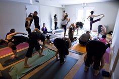 Photo source: ashtangatoronto.com    tldr: Mysore rooms must be safe spaces. Teachers must ensure  that and are not supposed to look at...