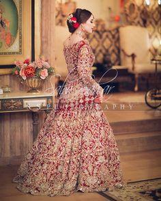 Asian Bridal Dresses, Pakistani Wedding Outfits, Indian Bridal Outfits, Pakistani Bridal Dresses, Pakistani Wedding Dresses, Pakistani Dress Design, Bridal Lehenga, Floral Lehenga, Shadi Dresses
