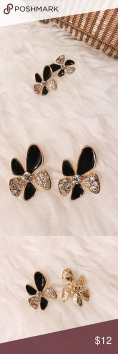 ☀️ Black & Gold Enamel Flower Earrings Pack a punch! Stylish black enamel and diamond petals with gold framing. Jewelry Earrings
