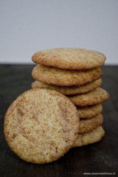 Je denkt bij snickerdoodles misschien aan de bekende snickers. Maar in deze koekjes is geen pinda of chocolade te vinden. Het zijn heerlijke kaneel koekjes!