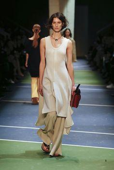 Céline Fall 2016 Ready-to-Wear Fashion Show - Marte Mei van Haaster
