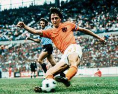 Nederlands icoon, pionier in het profvoetbal - NRC
