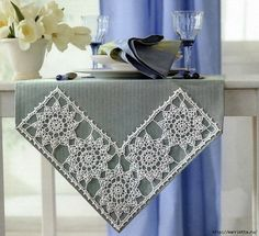 Fabulous crochet border made of tiles with a flower pattern. - Crochet Clothing and Accessories Crochet Motifs, Crochet Borders, Filet Crochet, Crochet Doilies, Knit Crochet, Crochet Patterns, Crochet Table Runner, Crochet Tablecloth, Doilies Crafts